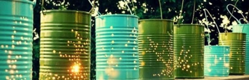 Des boîtes de conserve recyclées en lampions de jardin